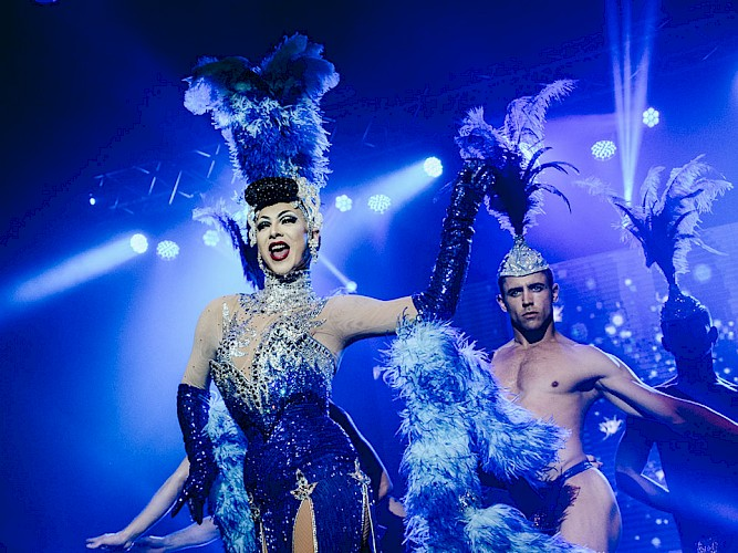 Violet Chachki with showgirl realness.